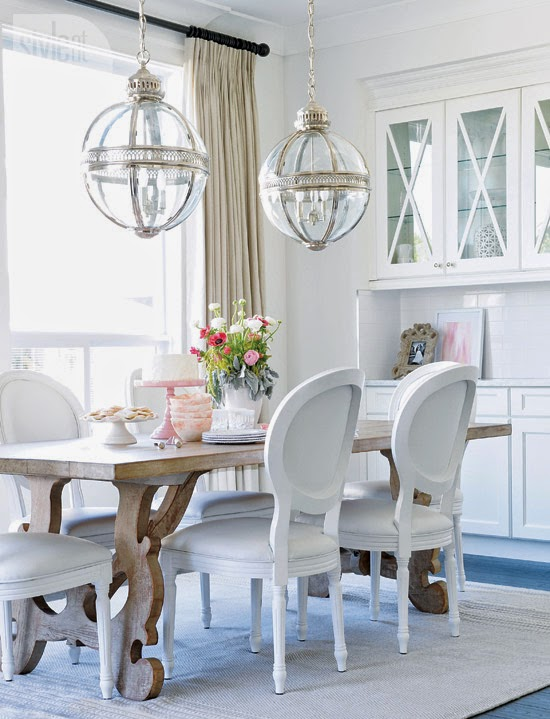 interior-whitebeige-diningtable