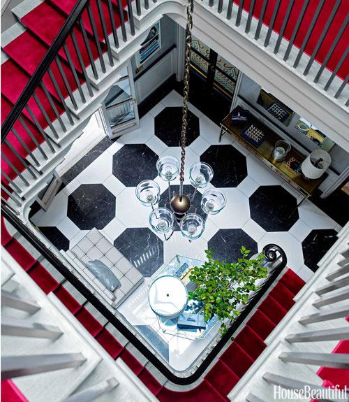 04-hbx-1940s-style-foyer-gambrel-0214-xln