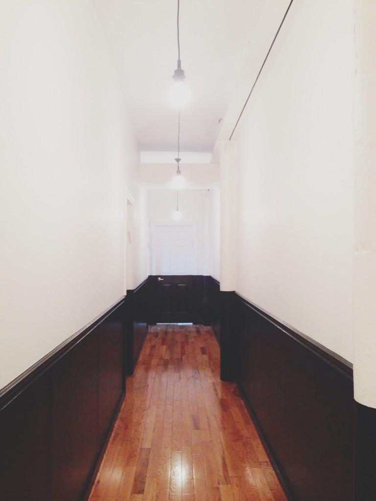 Yosi Samra offices - black and white hallway
