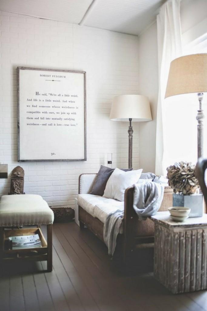 WHITE MAIN ROOM