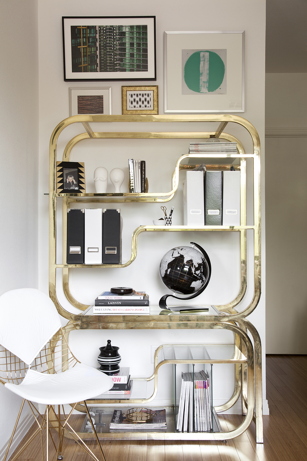 How to style a brass etagere the decorista stone textile solutioingenieria Image collections