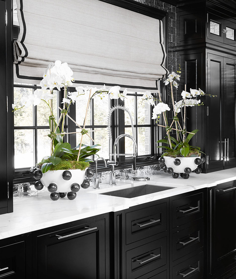 I Also Love The Way She Used Kelly Wearstler Pop Bowl As A Orchid Holder Look