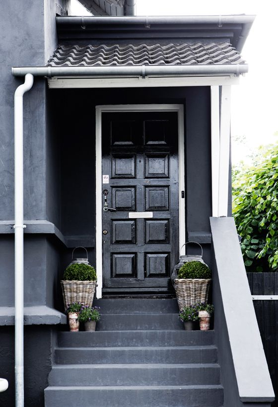 Exceptionnel Black Lacquer Doors Are Pretty Much Always A Winner. Black Is A Neutral  That Goes With Almost Every Single Look, Style And Exterior Color.