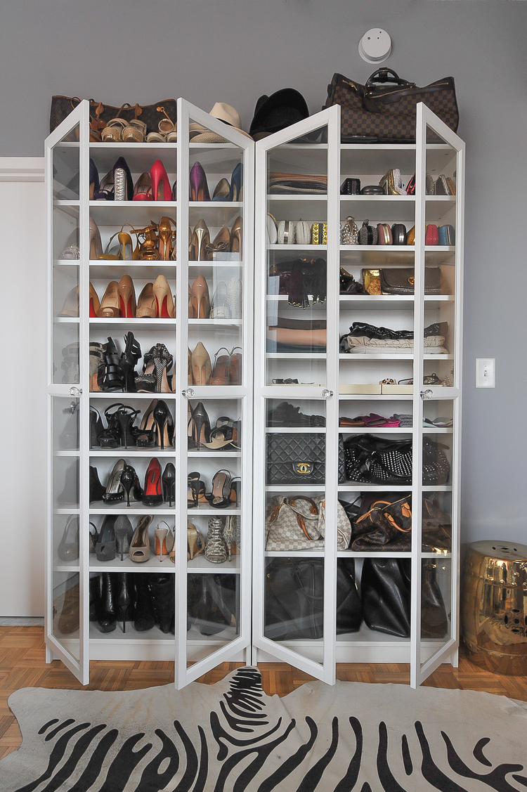 how to curate a glamorous wardrobe on a budget the