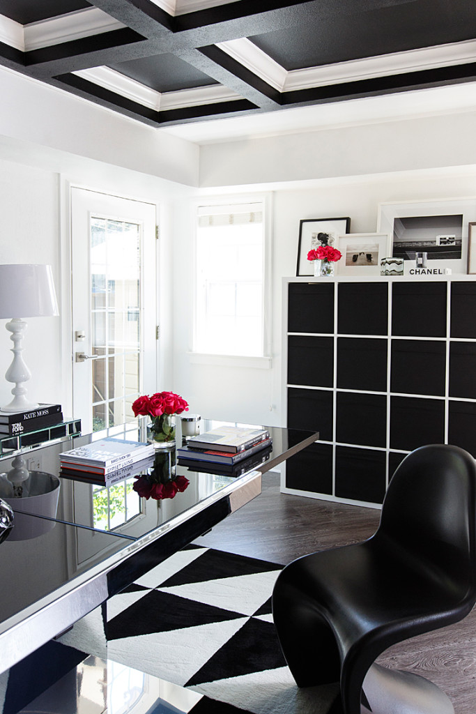 black and white office decor. Get the look  Hollywood Glam black and white office space The
