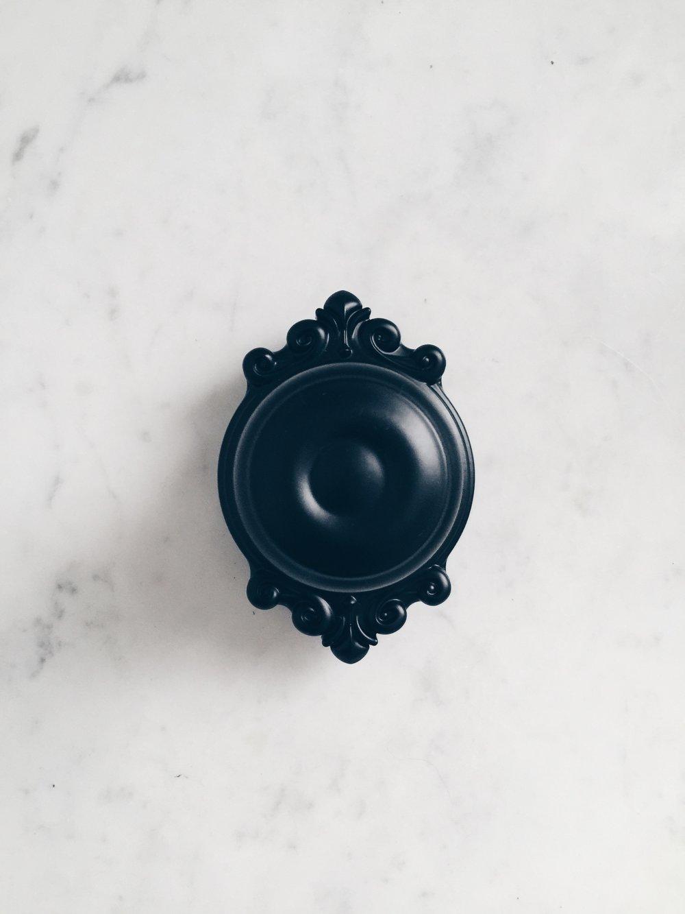 weekend decorating idea matte black door knobs