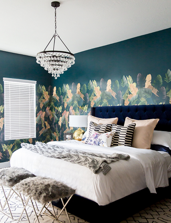 Lulu Georgia Has One Of My Favorite Palm Leaf Wallpaper Looks Right Now And Its Displayed Perfectly In Cara Lorens Beautiful Boho Bedroom