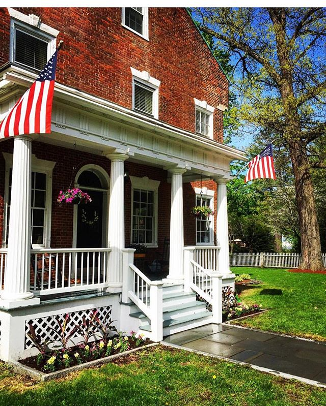 Happy Fourth of July to all who celebrate ! 🇺🇸🇺🇸🇺🇸 . . . #fourthofjuly #celebrate #america #usa #independence #freedom #patriotic #pride #visitvermont #vermont #windsor #snapdragoninn  #travel #explore #newengland