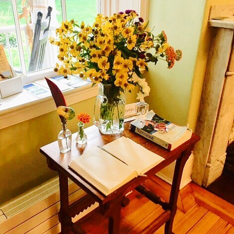 Guests love the simple touches at the Inn, and the way light shines through antique glass.  Book your getaway today! . . . #vermont #visitvermont #uppervalley #history #antiques #literature #art #sculptures #flowers #gardens #mountains #lakes #swim #kayak #cycle #eatclean #restaurants #explore #tripadvisor #getaway #bestoftheday