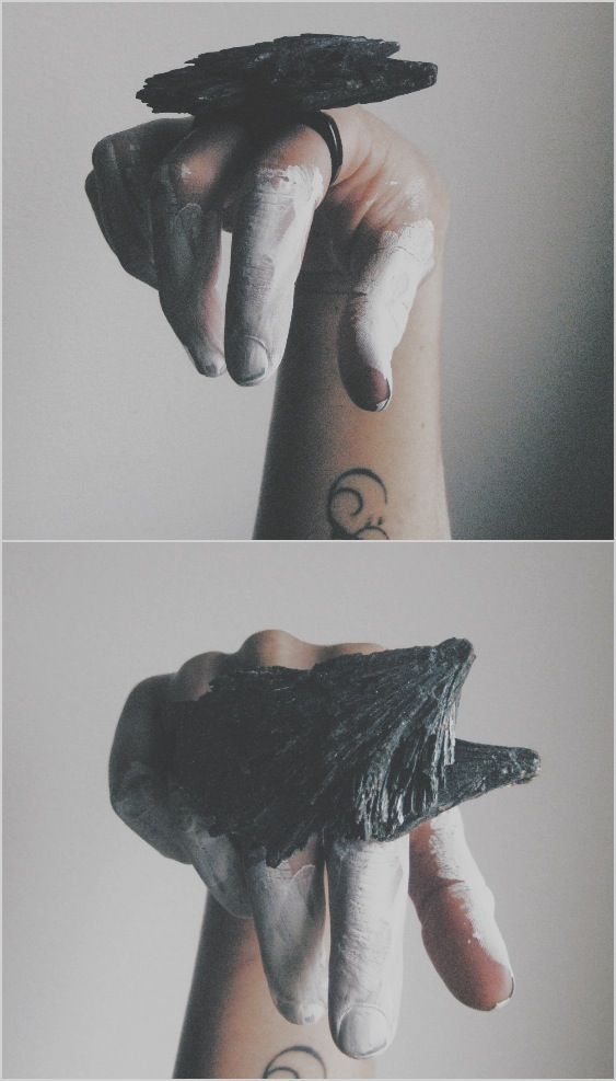 black kyanite knuckle duster