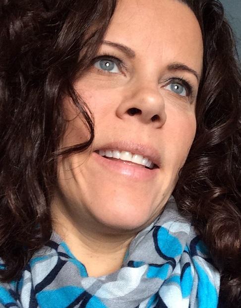 Melissa N  oto,  Graphic Designer