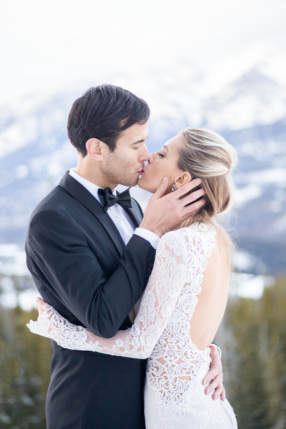 Bride and Groom Kissing | Montana Wedding Photography | Stella Kelsie Photography