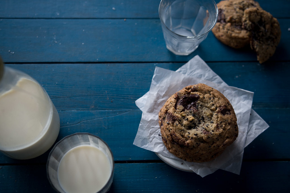dark chocolate chip cookies with pistachios and black sesame // milly's kitchen