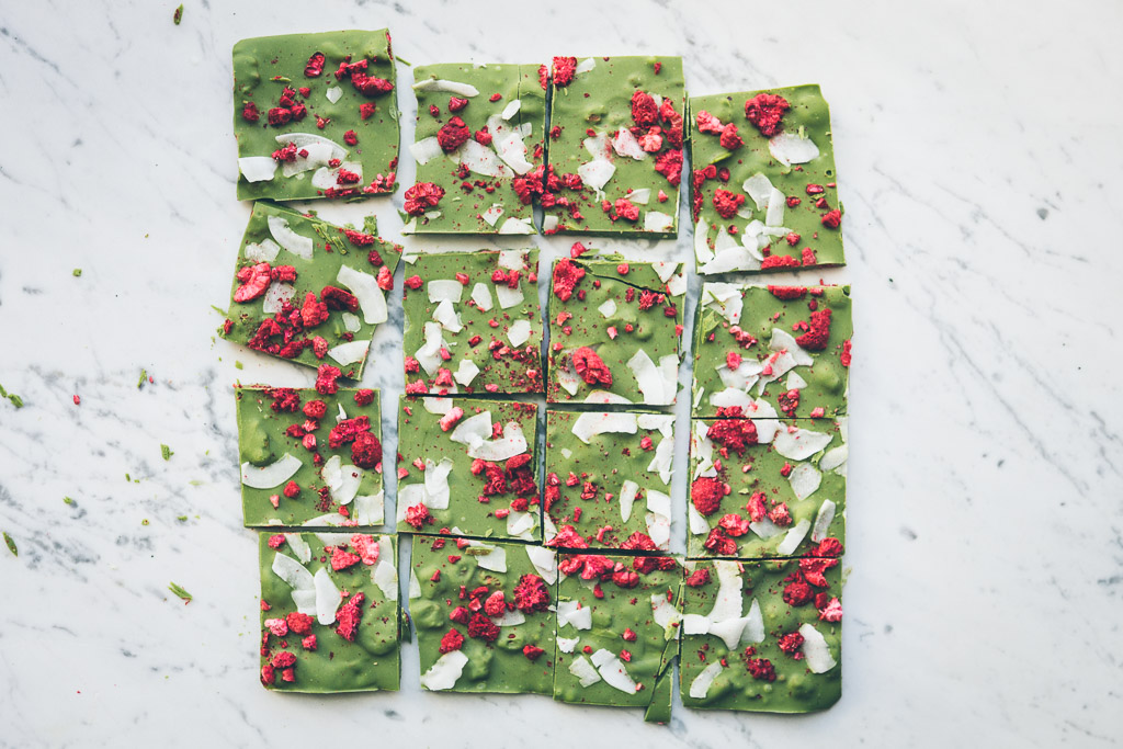 I am obsessed with the green tea/white chocolate flavor combination! And this beautiful bark comes together in about 15 minutes. Hello last-minute homemade holiday gift!