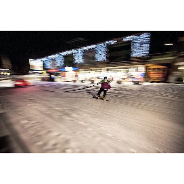 Team rider Mario Baio going wild in the streets! #streetshred #hipsnowboarding #snowtow