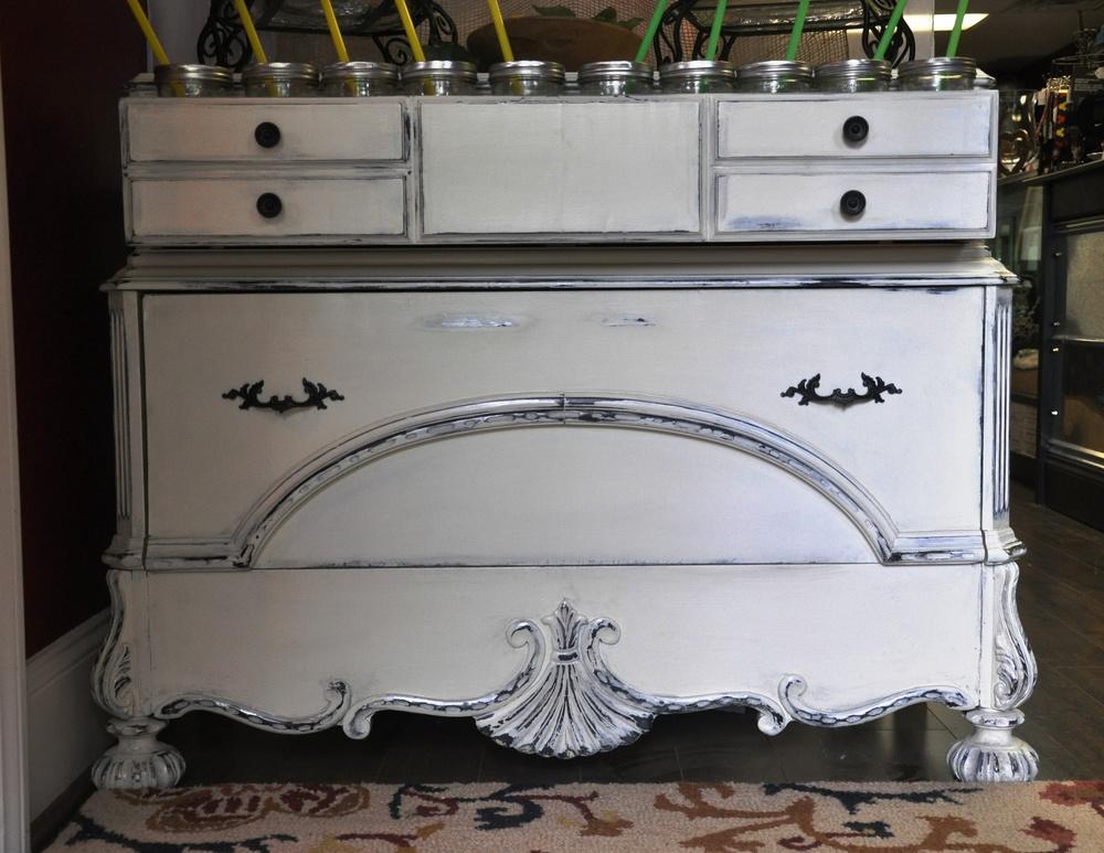 White Dresser 003.jpg