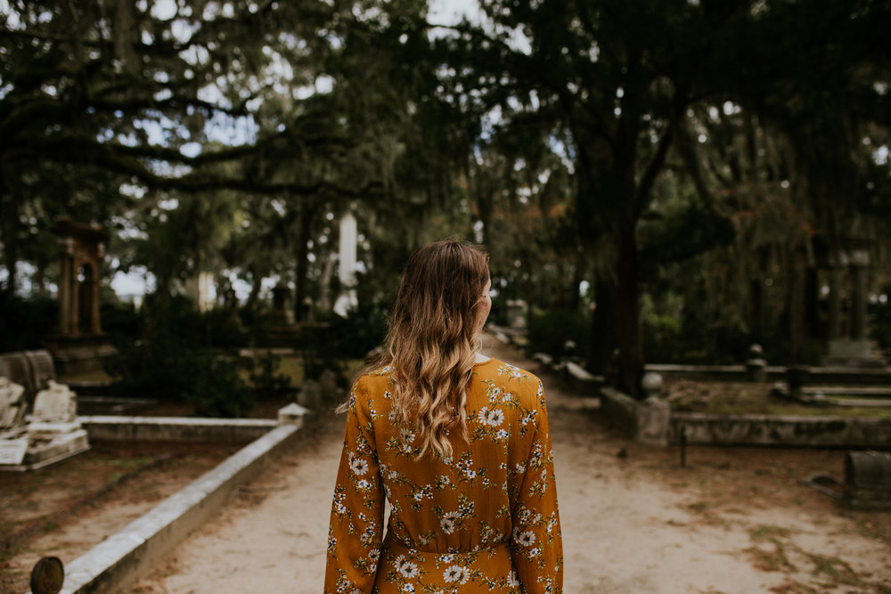 Bonaventure Cemetery - Savannah Georgia Travel - Destination Elopement Photographer - Vow of the Wild