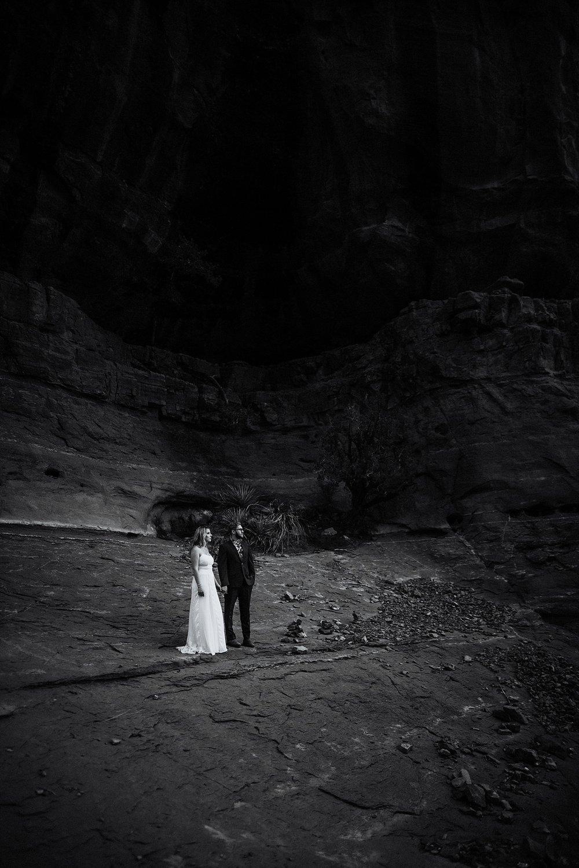 Sedona-Elopement-Photographer-Videographer043.jpg