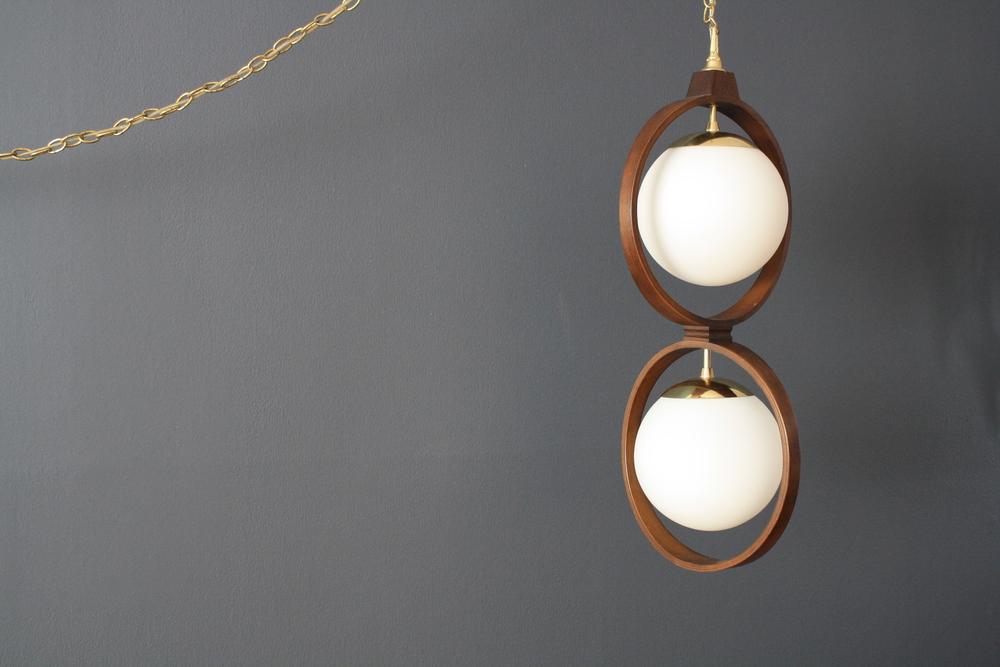 Vintage Mid-Century Modeline Hanging Lamp