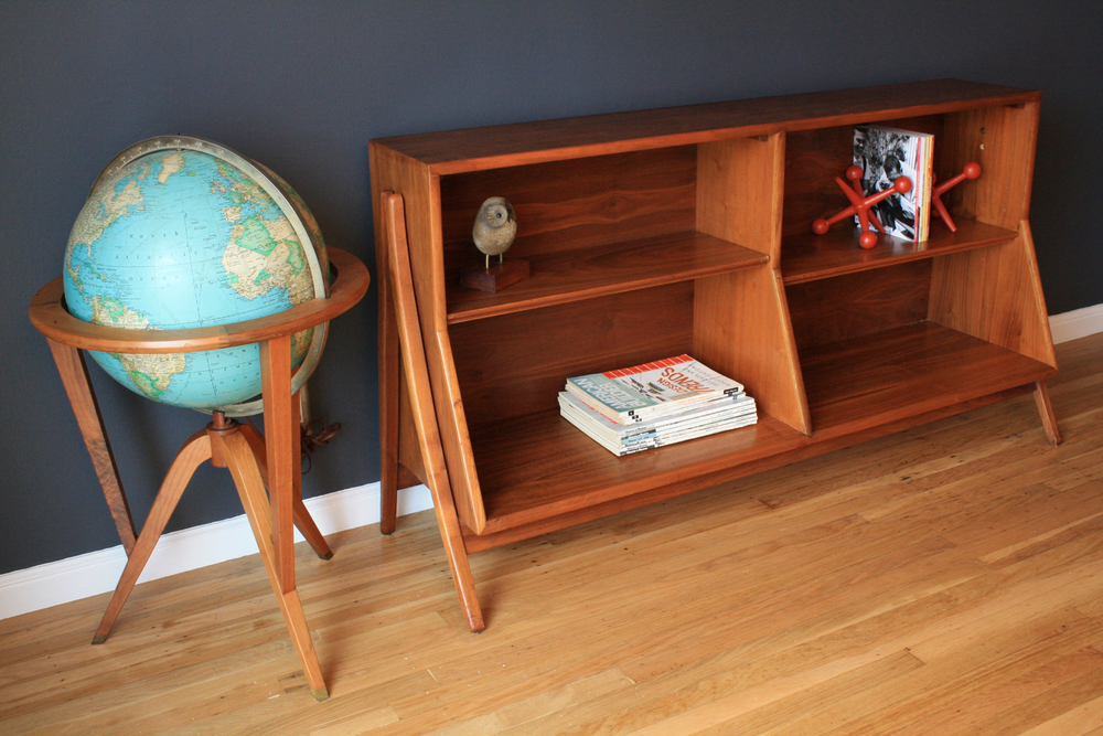 Vintage Mid-Century Globe by Edward Wormley for Dunbar and Shelf by Kipp Stuart for Drexel