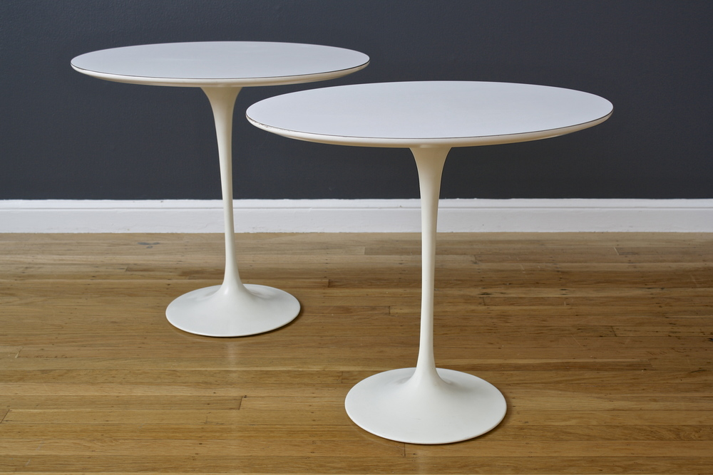 Pair of Vintage Eero Saarinen Oval Tulip Side Tables for Knoll