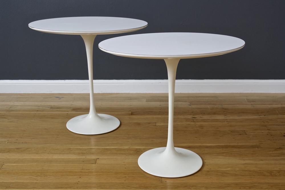 Pair of Vintage Eero Saarinen Oval Tulip Side Tables for Knoll