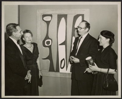 Bertha Schaefer and Will Barnet (left) at the 14 Painter-Printmakers exhibition at the Brooklyn Museum in 1955. Photo credit: Archives of American Art