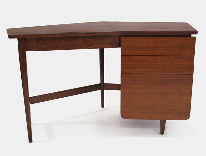 Bertha Schaefer Desk for Singer & Sons. Photo: Patrick Parrish