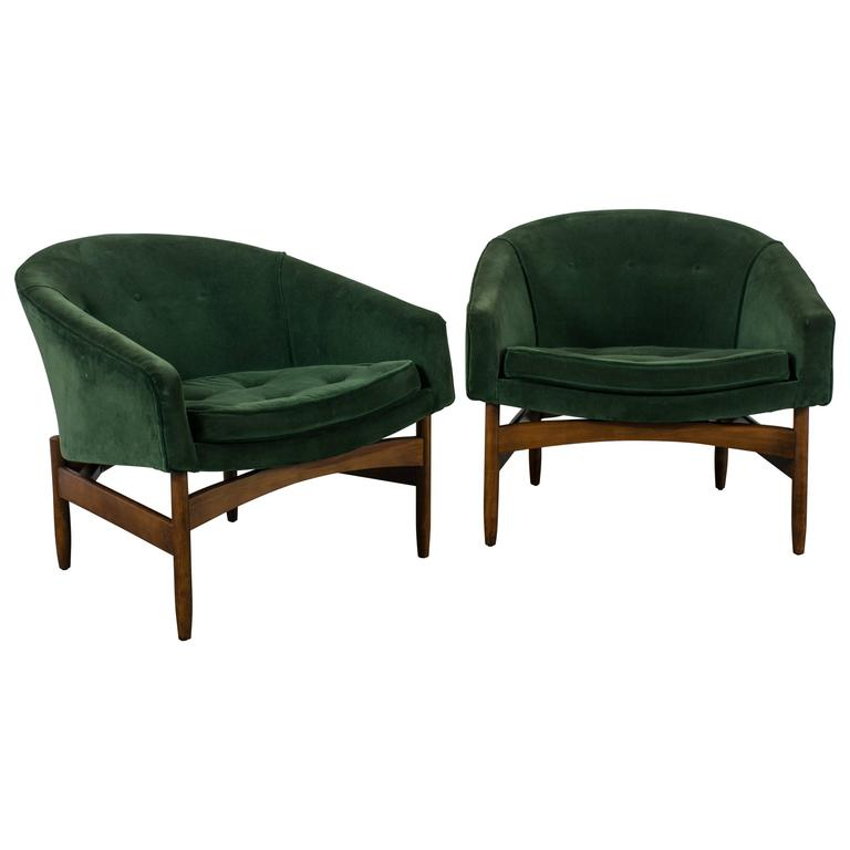 Pair of Barrel Back Lounge Chairs by Lawrence Peabody. Photo: Mid-Century Modern Finds