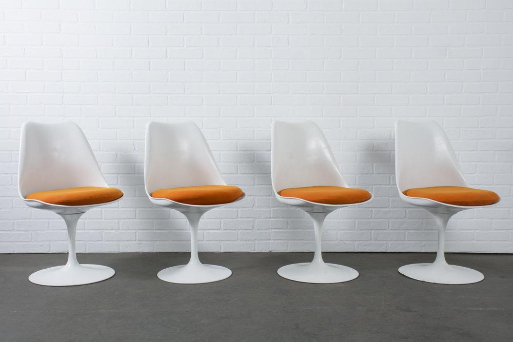 Vintage Eero Saarinen Tulip Dining Chairs
