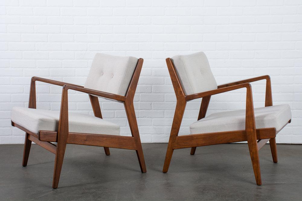 Jens Risom Walnut Lounge Chairs in Grey, Model U4230