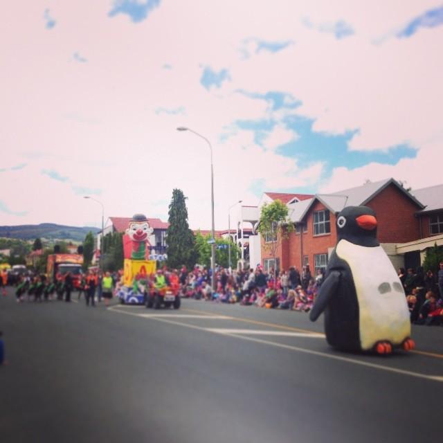 #gigatowndunedin #santa parade