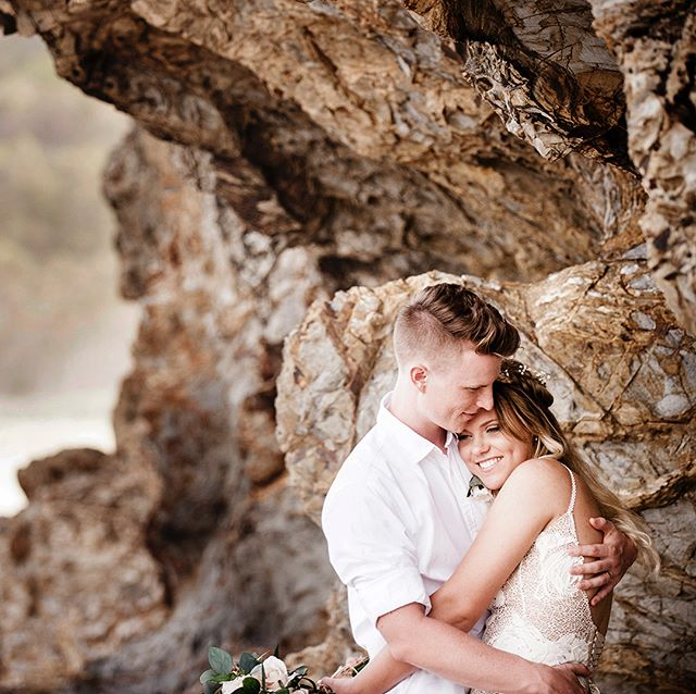 This cute couple just look like they belong together! . . .  #currumbinbeach #beachweddings #elopementwedding #summerdays #brisbanephotographer #reneebrazelphotography #weddingdress