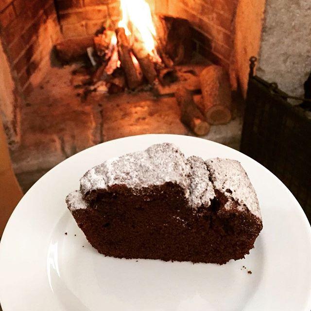 In ricordo delle montagne innevate, ci godiamo un bel dolce fatto in casa!  #agriterranova #terranovaagriturismo #aziendaagricolabiologica