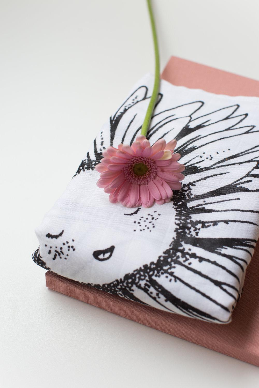 Flower swaddle