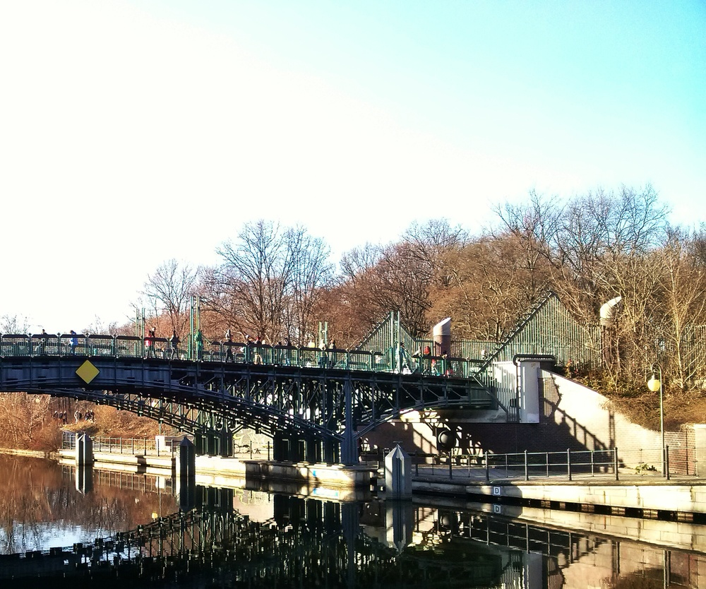 Μια από τις γέφυρες.