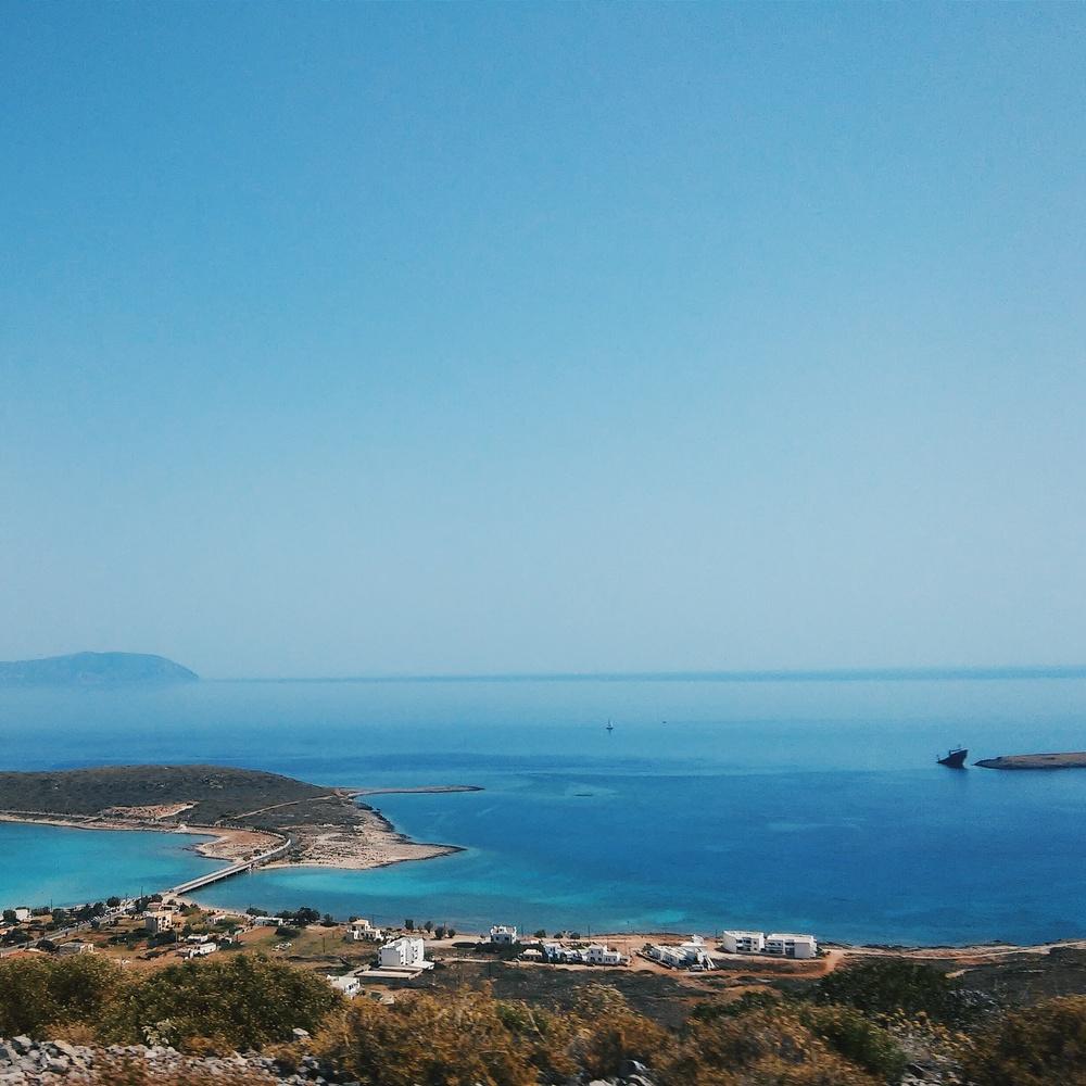 Το λιμάνι στο Διακόφτι: θέα από ψηλά / Port of Diakofti: view from above