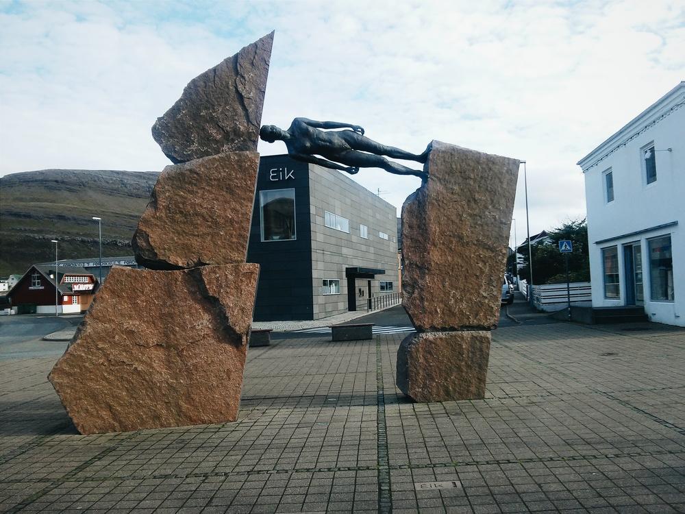 Το παράξενο άγαλμα στο Κλάκσβικ