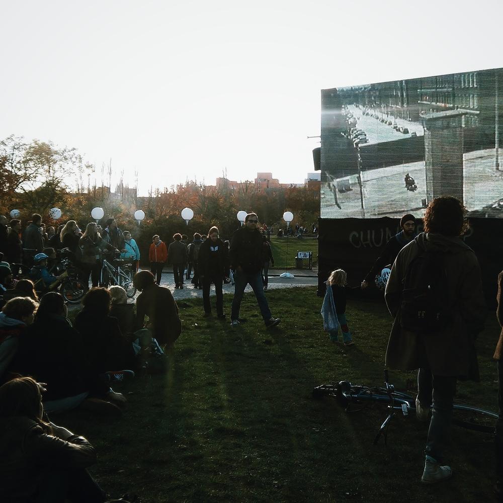 Οθόνες στο Mauerpark