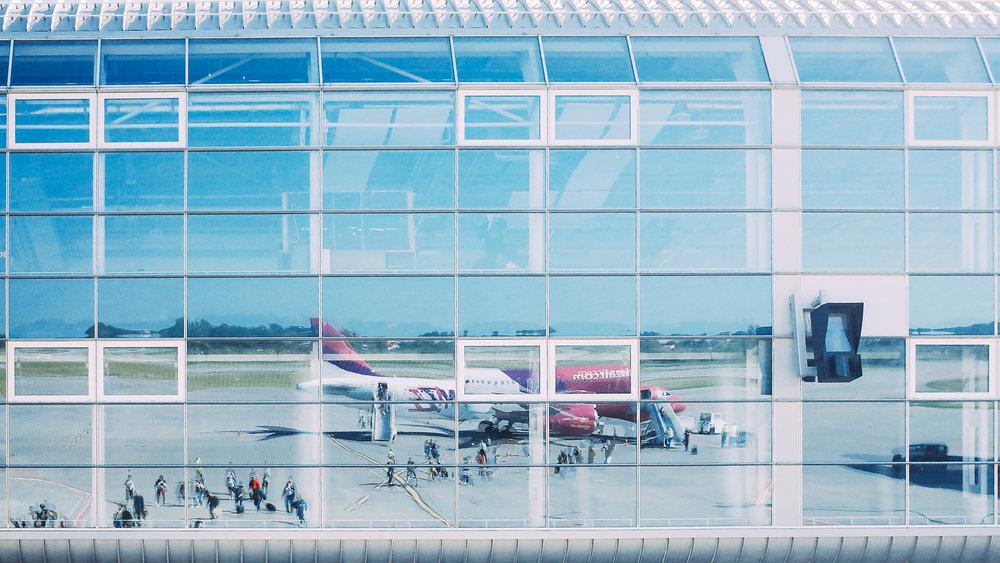 Το αεροπλάνο της Wizz Air στο αεροδρόμιο της Λβιβ