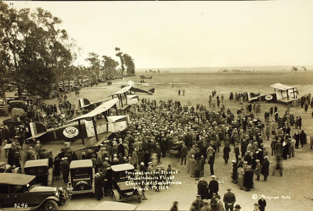 Crowds gather to see the aircraft at Clover Field, Santa Monica California on March 17th 1924.