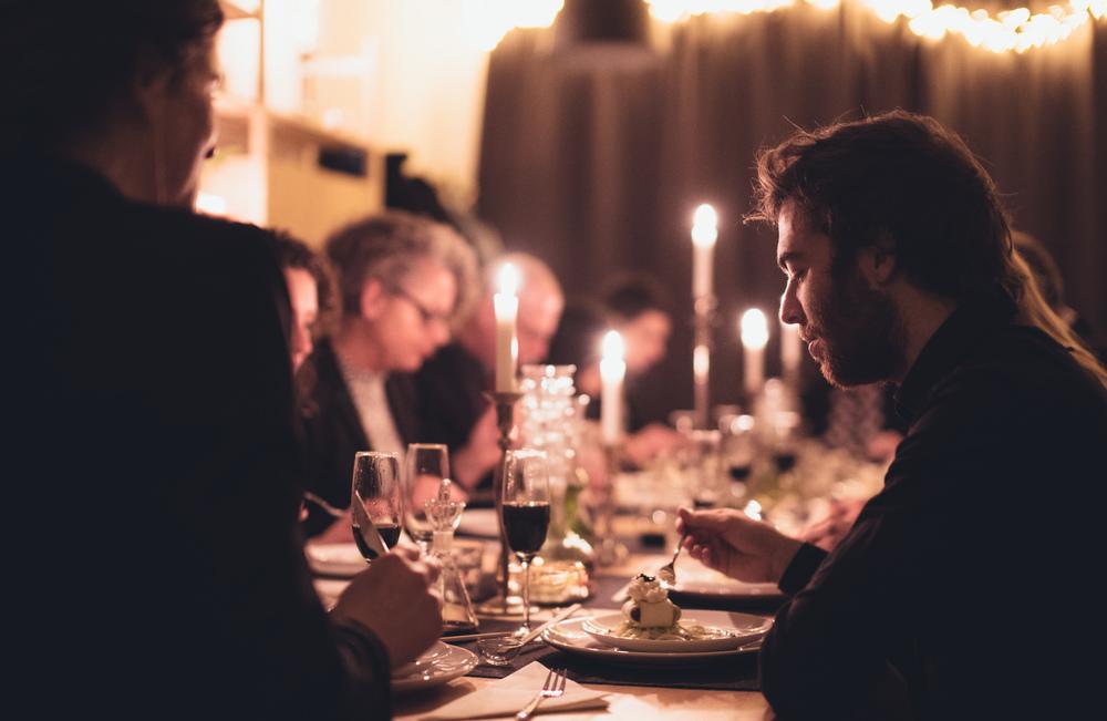 Why A Midnight Raw Vegan Black White Diner
