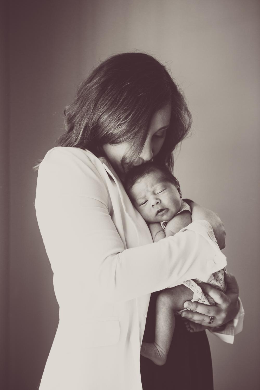 Rochester NY Lifestyle Newborn Photographer Kelly Kester_24.jpg