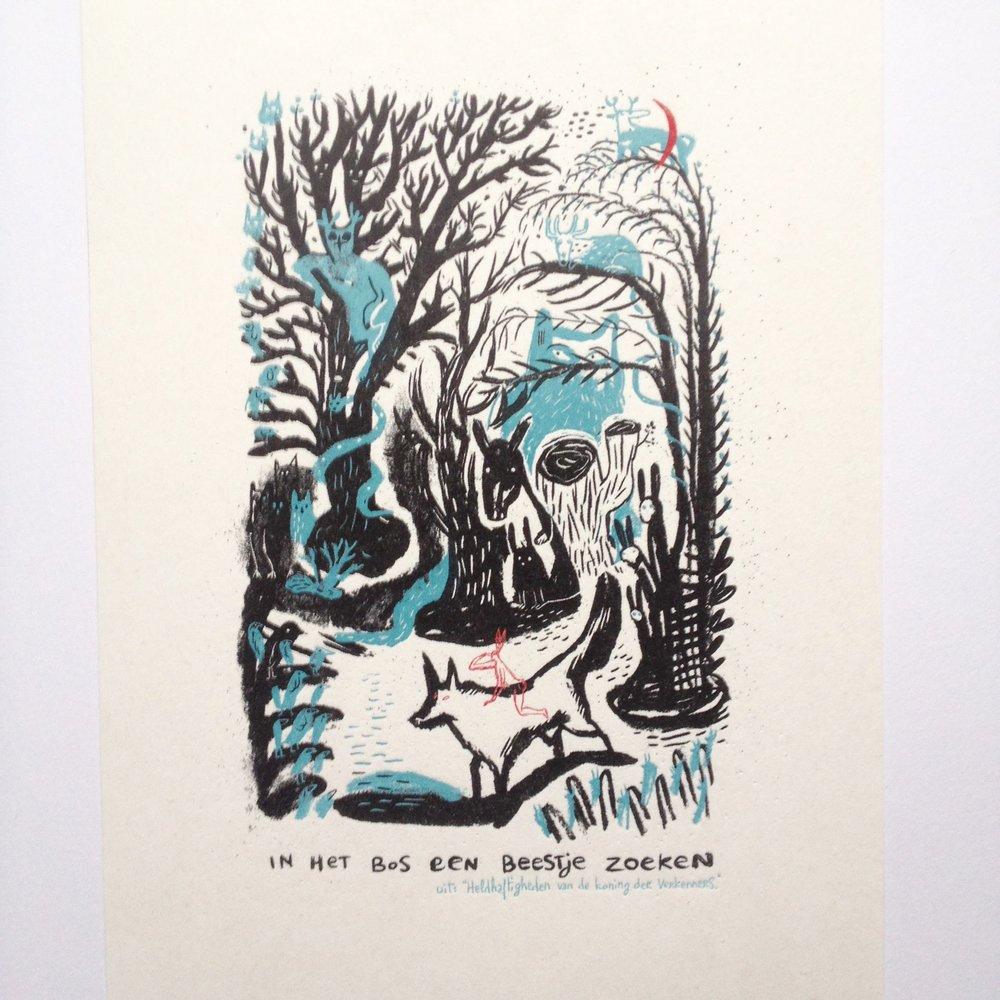 In het bos een beestje zoeken