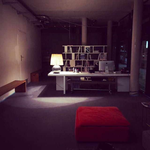 Goodnight #feierabend #agency #office #interior #vintage #e15 #stuttgart #agencylife #creativeagency #officedesign #entrance #stuggi #benztown #0711 #goodnight