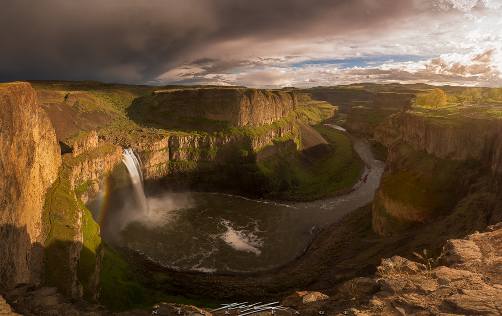 Palouse Falls is one of our main locations for our tour.  This waterfall is impressive year round, but best in the spring.