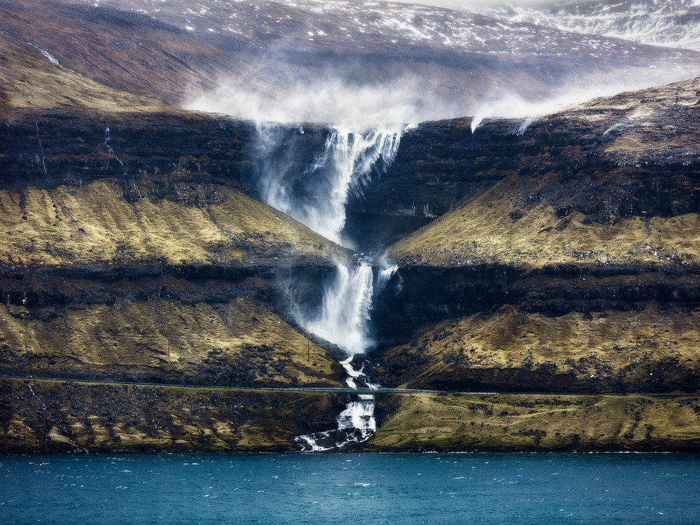 Fossa hori waterfall faroe islands streymoy tallest wind storm layers-XL.jpg