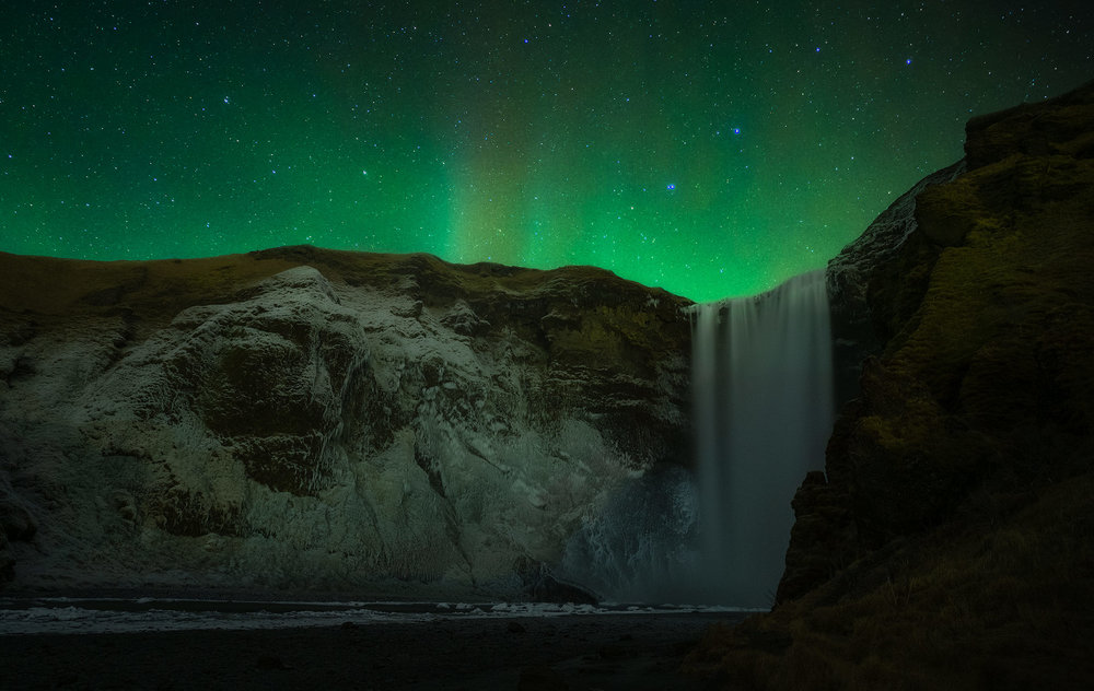 skogafoss-aurora.jpg