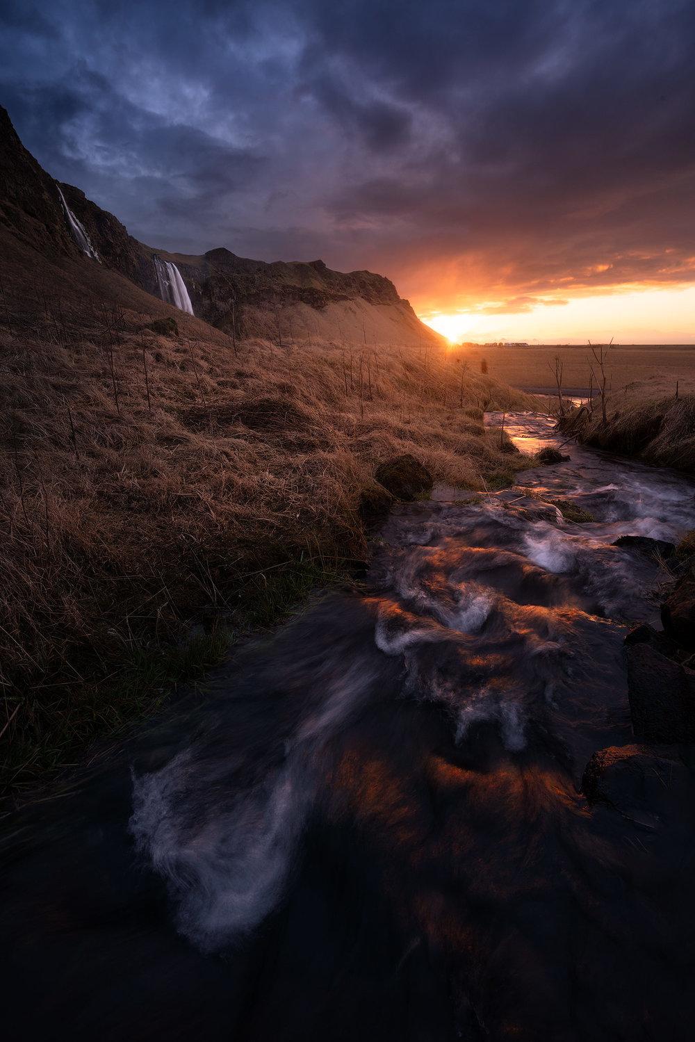 Selljulandsfoss-streams.jpg