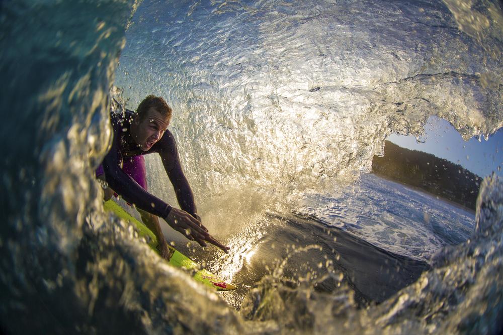 surfers008.JPG